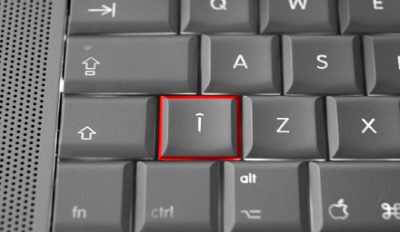 TILDE and GRAVE ACCENT not engraved on Romanian keyboard of MacBook Pro 15-inch 2.4 GHz — Cristian Kit Paul, 2007.